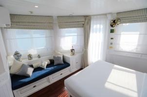 Vietnam The Au Co Cruise - Suite bedroom