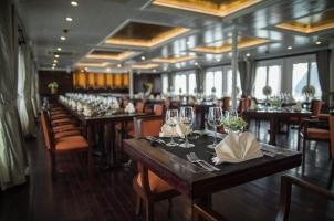 Vietnam The Au Co Cruise - Halong Restaurant