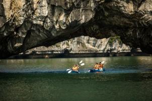 Vietnam The Au Co Cruise - Kayaking