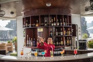 Vietnam The Au Co Cruise - Bar