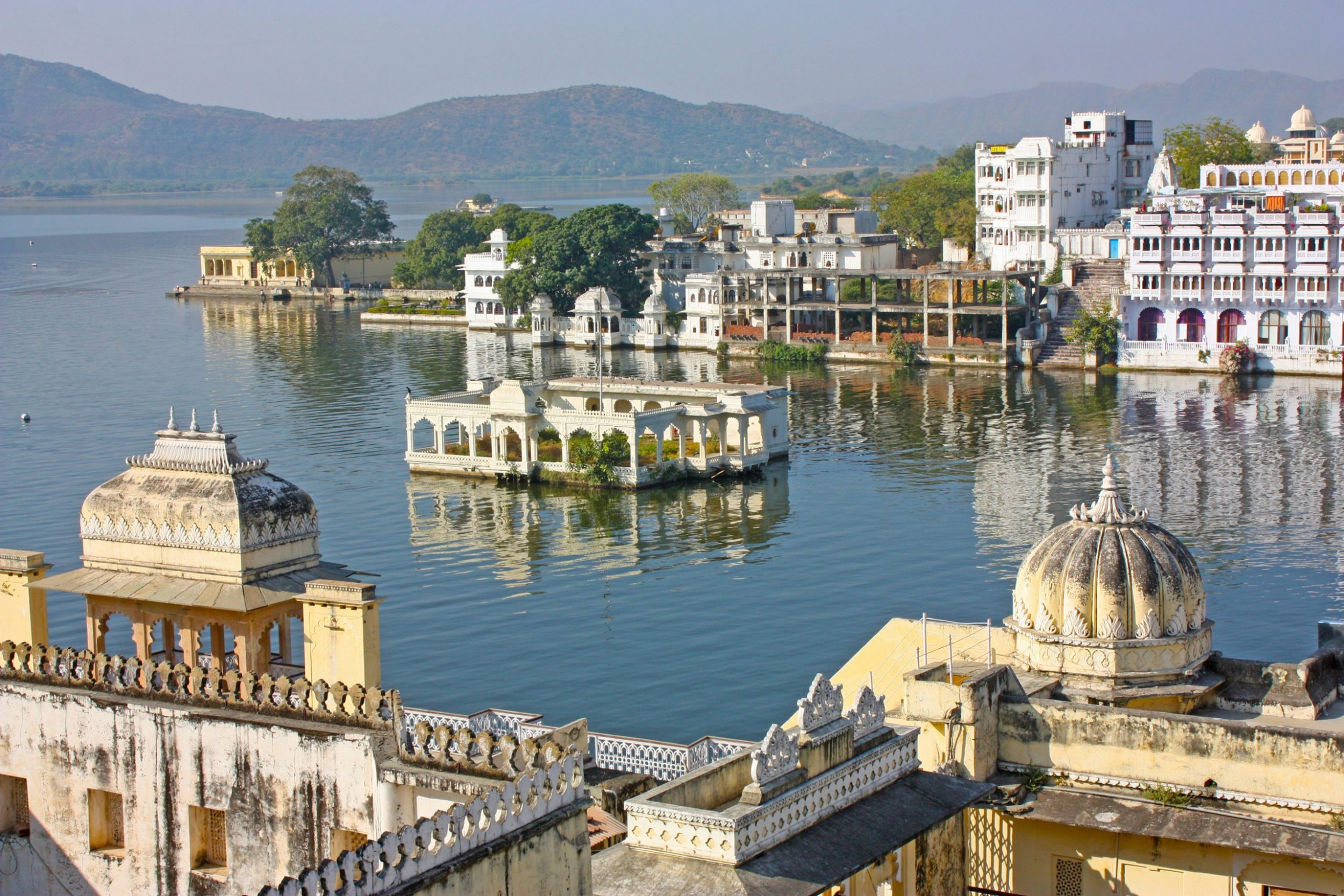 India - Udaipur Lake
